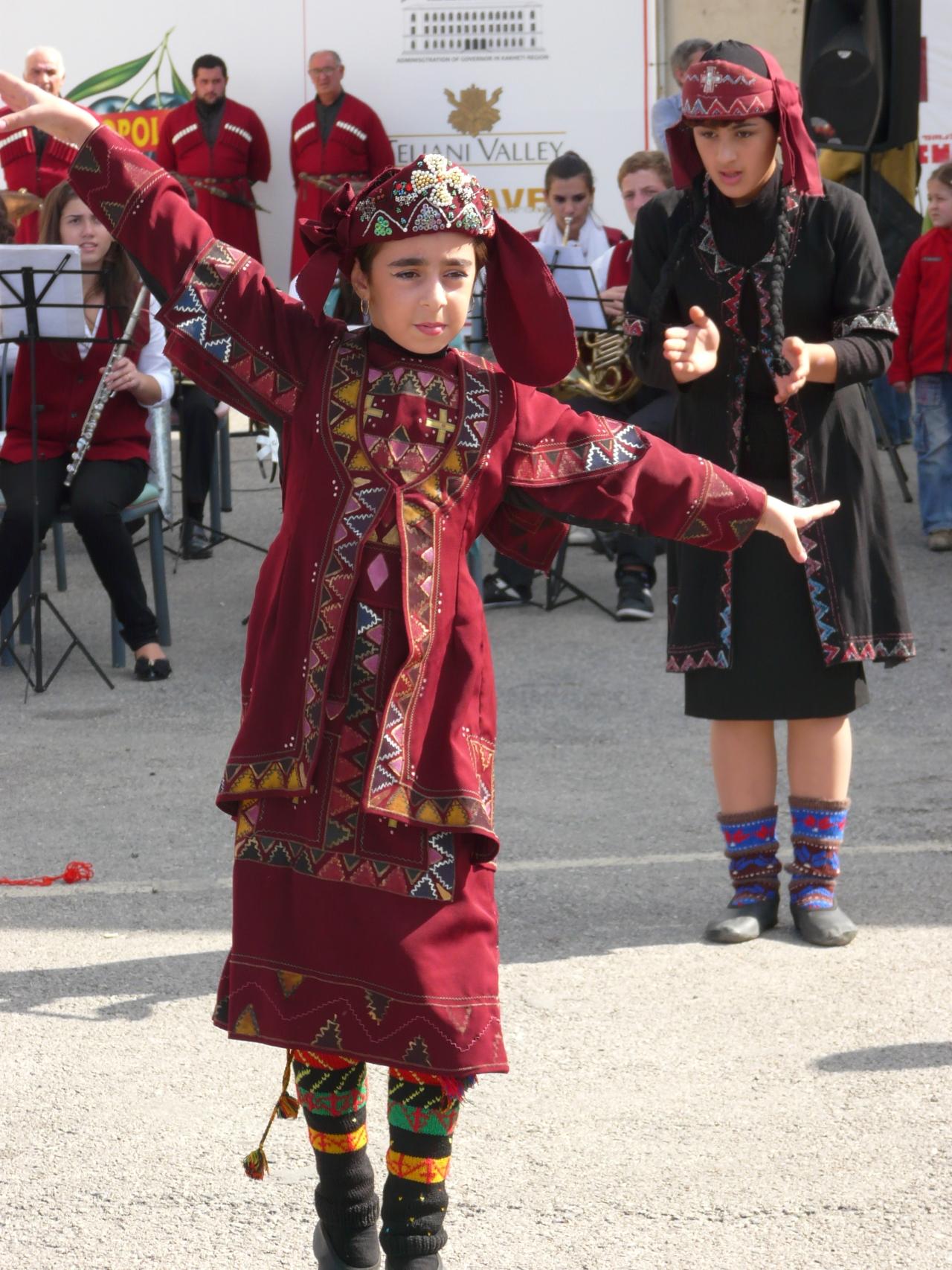tańce gruzińskie, Gruzja, Martyna Skura, blog podróżniczy