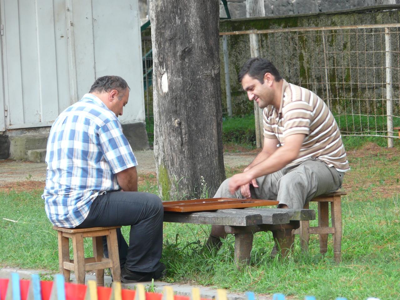 Mężczyźni w Gruzji, Gruzja, wolontariat w Gruzji, Martyna Skura, blog podróżniczy