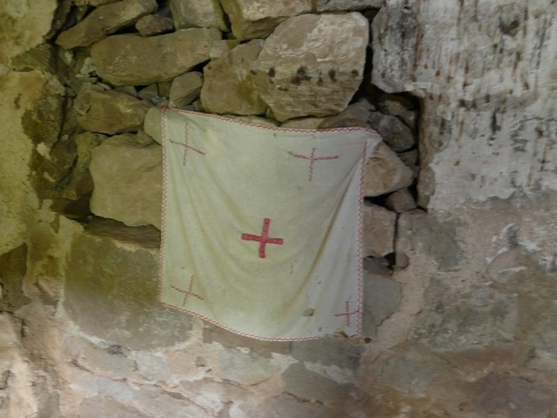 kapliczka w jaskini w Gruzji