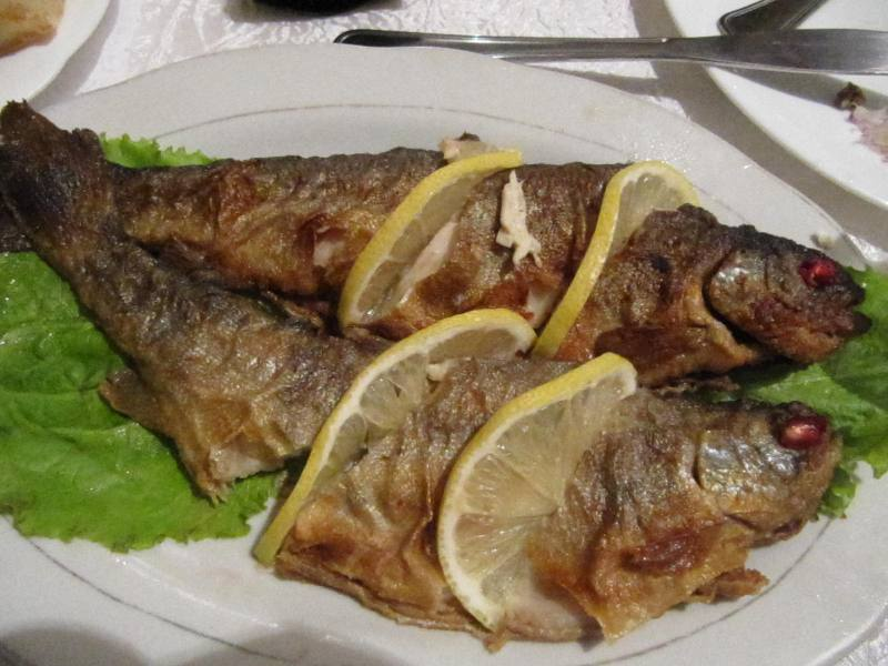 Gruzja ryba wesele jedzenie
