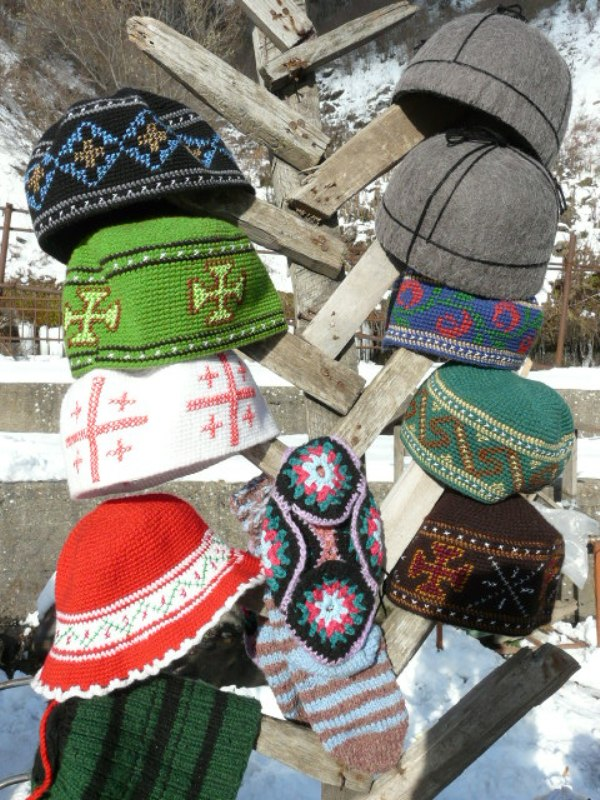 Gruzja folklor czapki Kazbegi