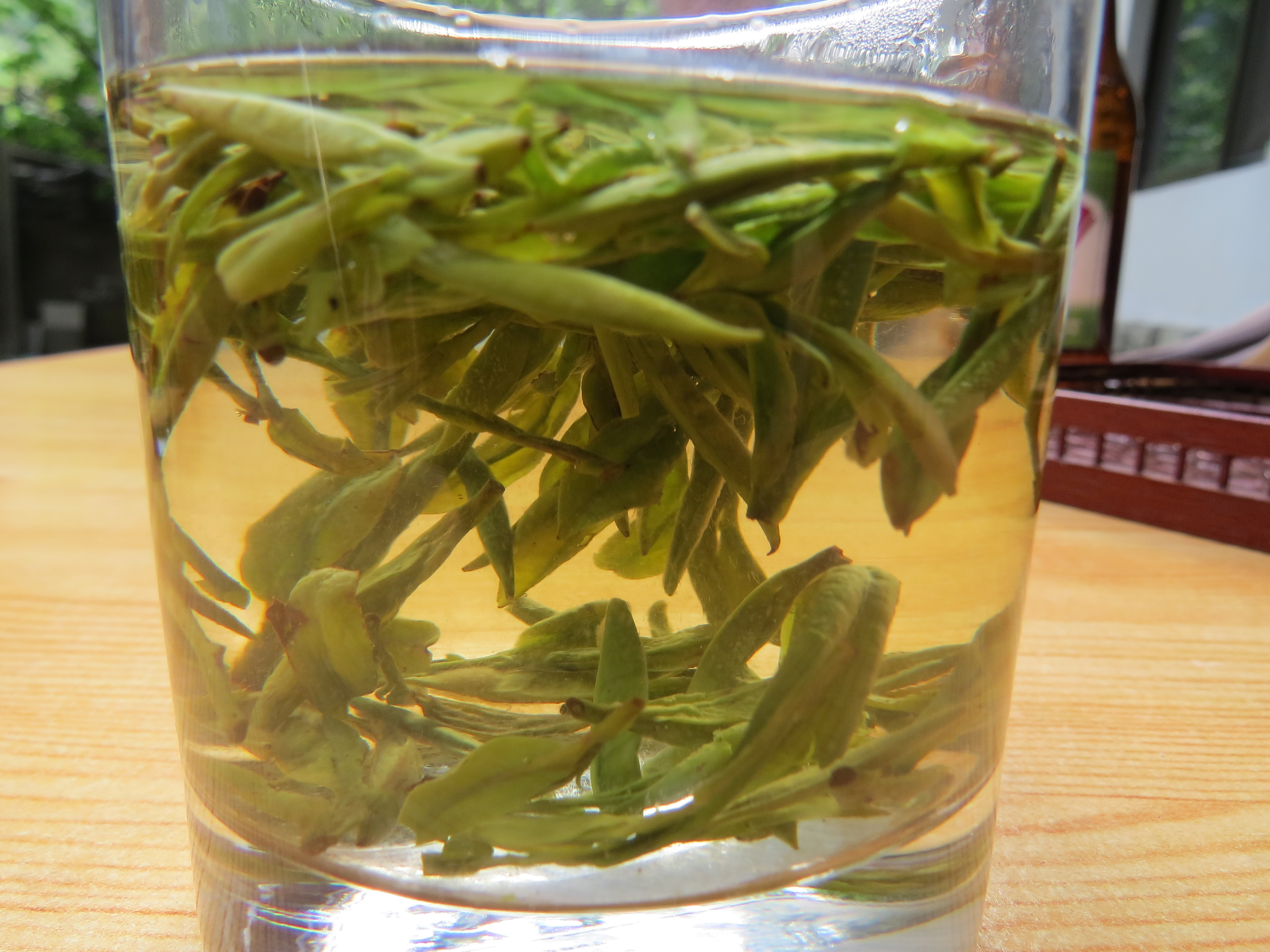 Parzenie herbaty Longjing
