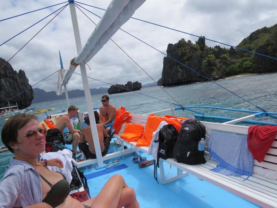 nasza łódź podczas skakania po wyspach
