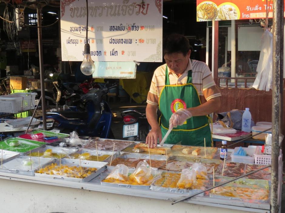 Tajskie slodycze robione sa na bardzie ryzu, fasoli i cukru