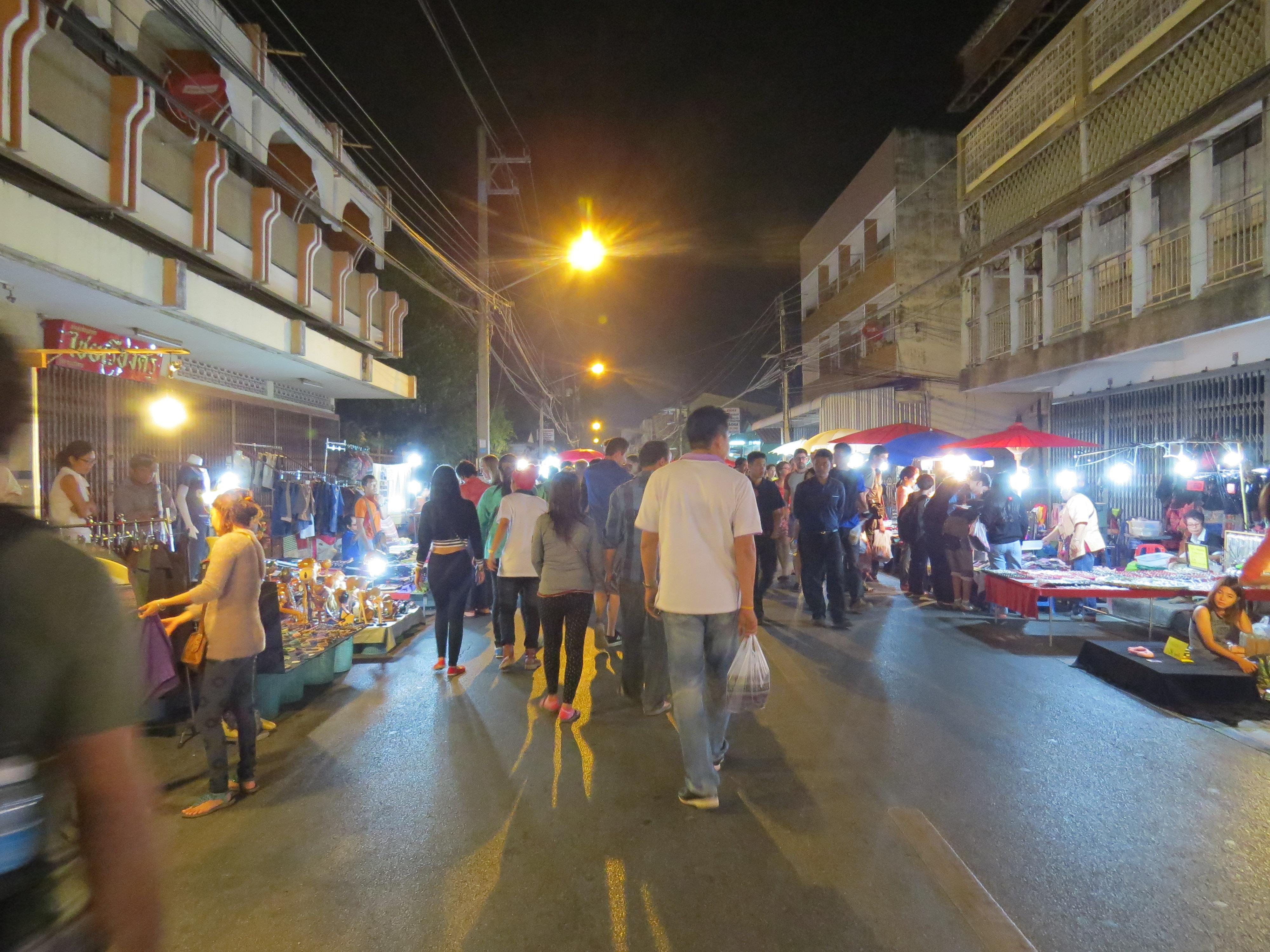 Sobotni bazar w Chiang Mai