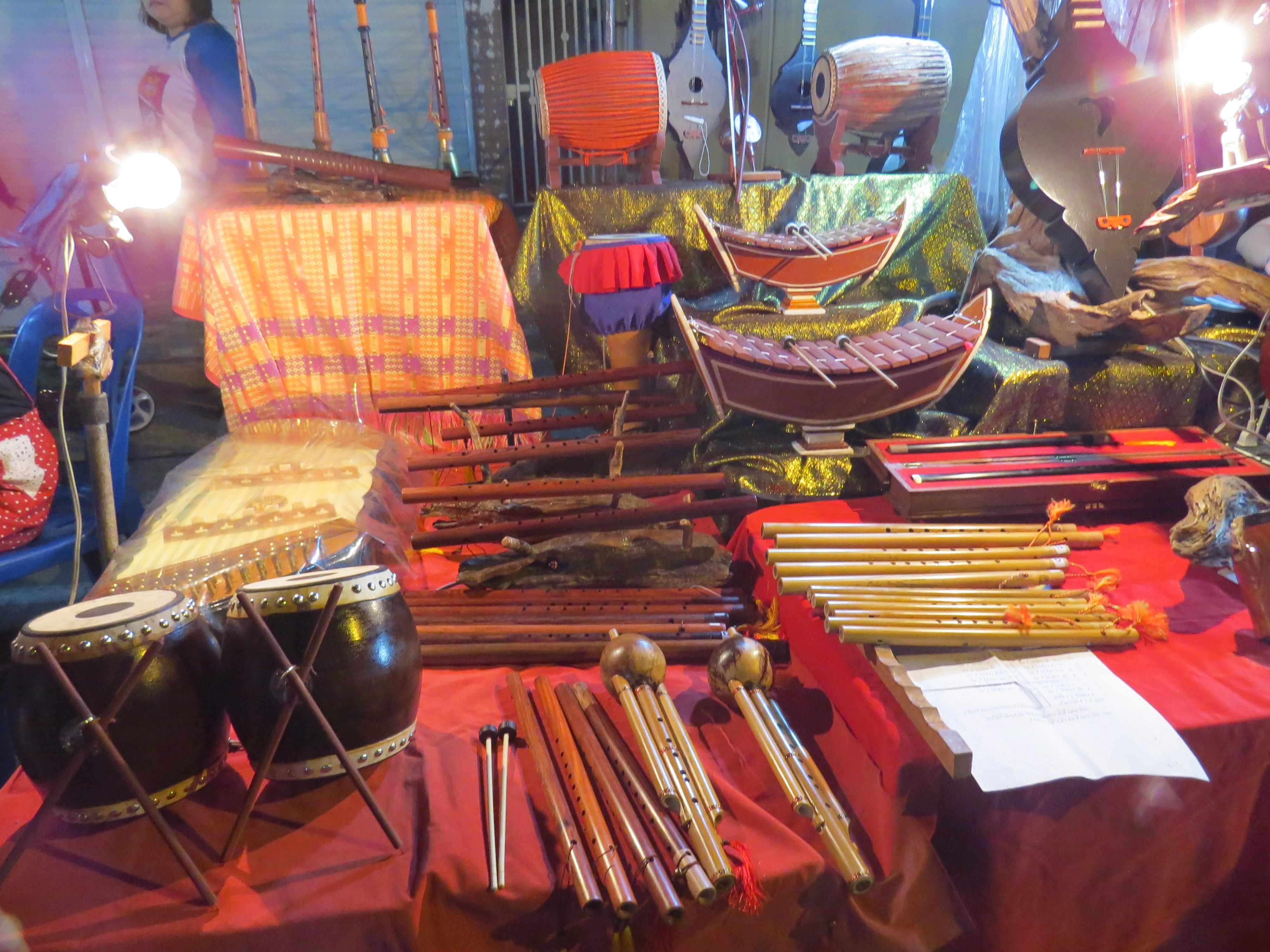 Lokalne instrumenty muzyczne