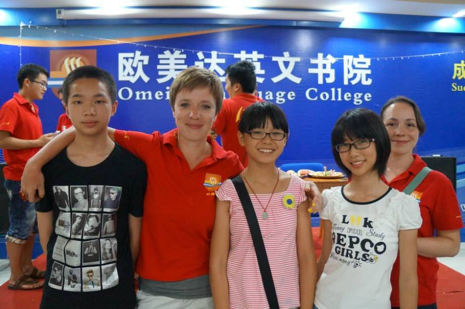 Z uczniami ze szkoły letniej w Yangshuo, Chiny.