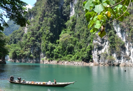 Khao Sok, Khao Sok National Park, Tajlandia, łodzie w Tajlandii