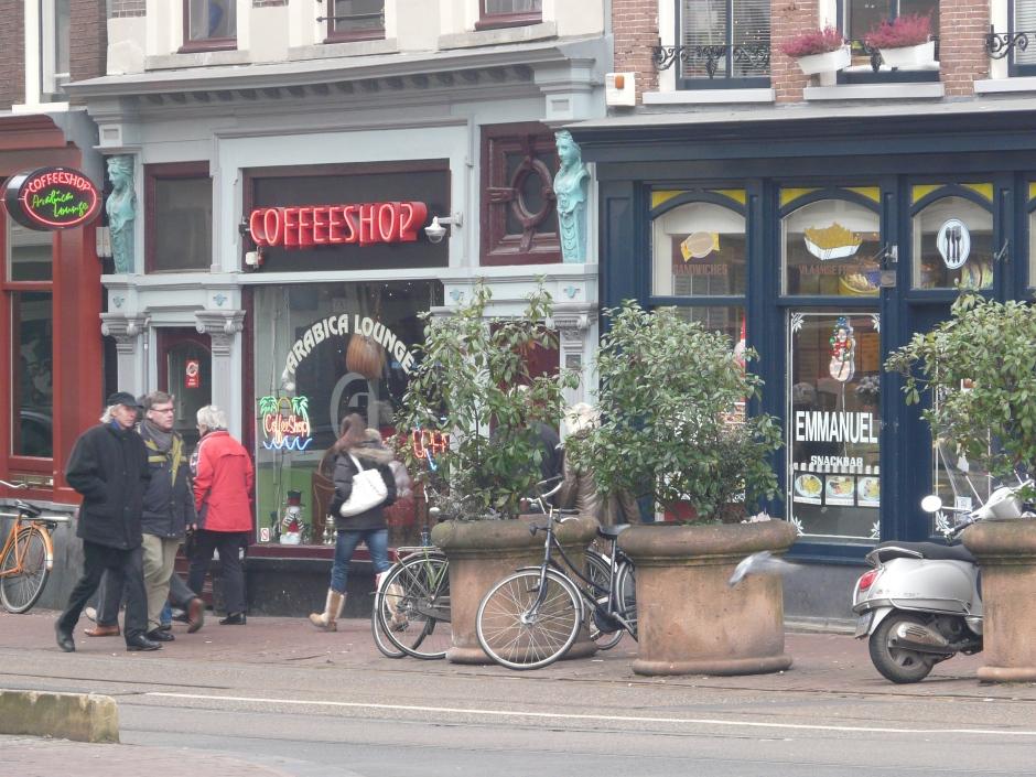 Sławne na cały świat Coffeeshopy w Amsterdami.