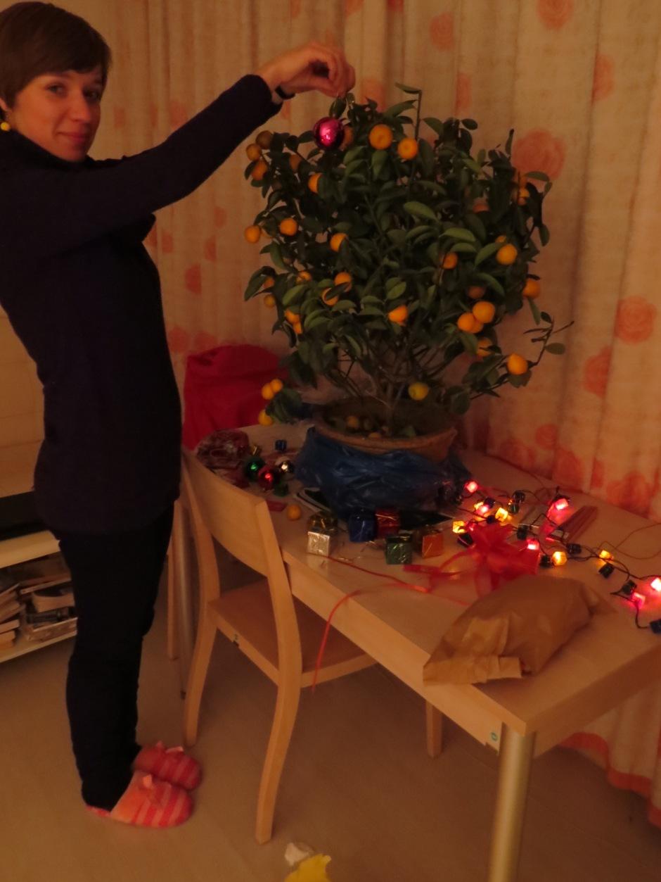"""Moje pomarańczowe drzewko świąteczne """"made in China"""""""