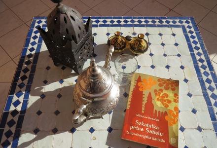 ksiązka w podóży, Maroko, Szkatułka pełna Sahelu, Ballada subsaharyjska, Holly Cow