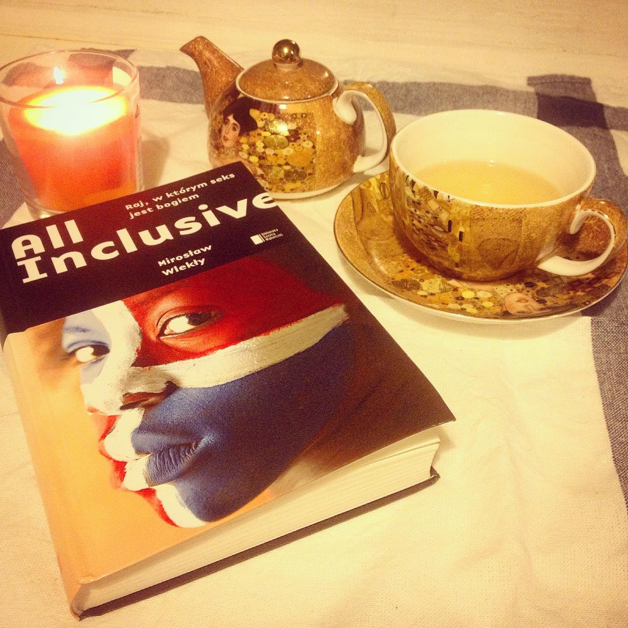 """""""All inclusive. Raj, w którym seks jest bogiem"""" M. Wlekły recenzja książki"""