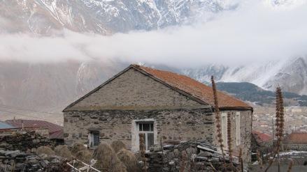 Gruzja, Kazbegi, Kazbegi zimą, Martyna Skura, blog podróżniczy